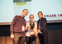 <p><strong>Scan </strong></p> <p>Från vänster:<br /> Johan Persson, Anna Lind och Gunilla Böök från Scan.</p> <p>Foto: Dino Soldin</p>