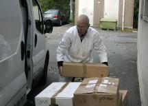 <p><strong>Chark-SM skänker ett ton charkprodukter till Stadsmissionen och Frälsningsarmén</strong><br /> 4 oktober 2010</p> <p><em>Bernt Wallin från Frälsningsarmén. </em></p>